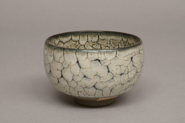 <p>Japan, Tea bowl (chawan), c. 1963. Whell-thrown stoneware with crackle glaze. Henry Art Gallery, gift of Mr. and Mrs. Robert Sperry, 67.32.19.</p>