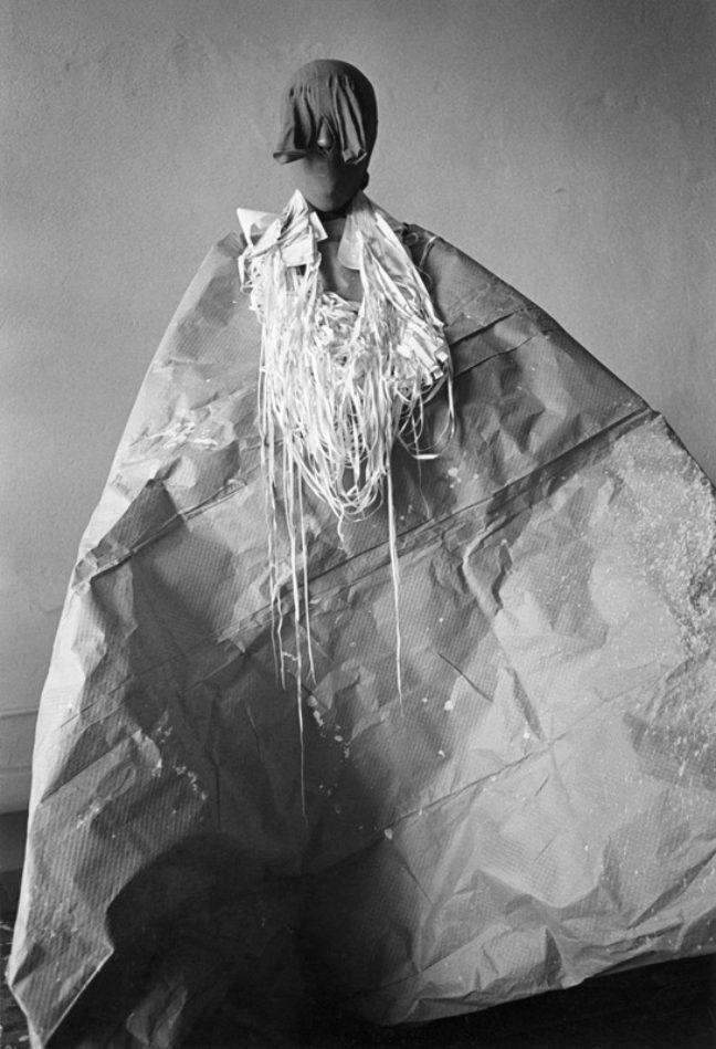 <p>Senga Nengudi, studio performance of <i>Mesh Mirage</i>, 1978. Image courtesy of the artist and Museum of Contemporary Art, Denver. Photo: Adam Avila.<br></p>