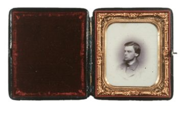 <p>Unknown photographer.<em>Untitled</em>. c. 1860. Opalotype. Henry Art Gallery, extended loan of Joseph and Elaine Monsen, 79/242.</p>