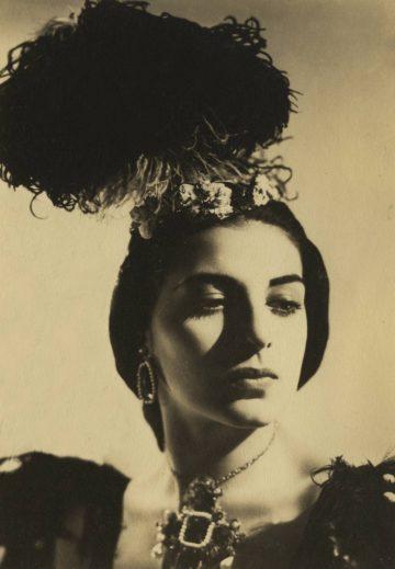 <p>Miriam Golden, principal dancer with Ballet Theatre, New York.</p>